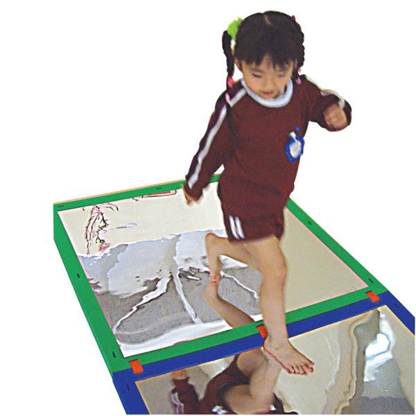 一歩社 はじめしゃ ソフトミラープレート 6枚セット~一歩社(はじめしゃ)の子どもたちに科学・理科に興味をいだかせる安全素材のミラーやレンズ。踏んでも大丈夫なミラーです。