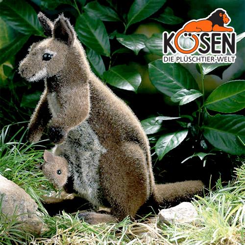 KOESEN ケーセン社 カンガルー親子 4050~ドイツ・KOESEN/KOSEN(ケーセン社)の動物のぬいぐるみ。愛らしい表情のカンガルーのぬいぐるみです。出産祝い クリスマス プレゼント 結婚記念日 出産したママへのご褒美にもおすすめ