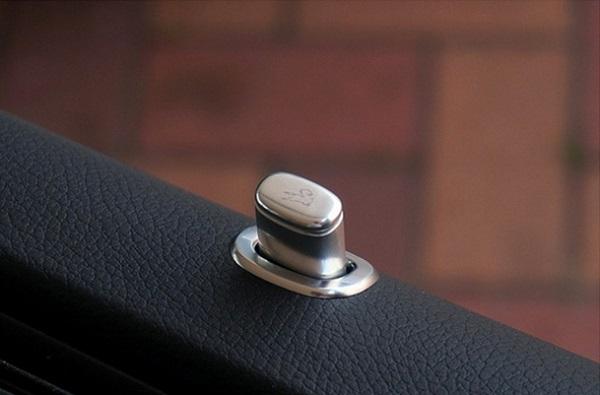 決算セール☆大特価!《カールソン Carlsson 》アルミドアピン 4pcsメルセデス ベンツ W222 Sクラス マイナー前Mercedes Benz