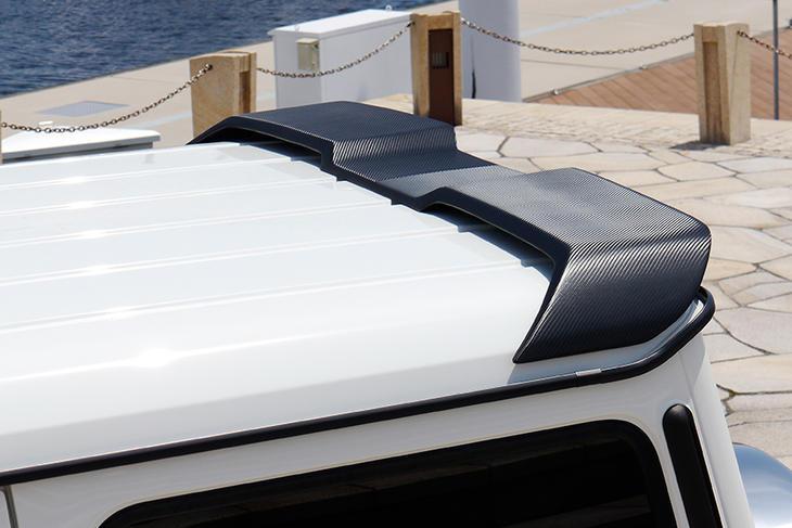 《WALD ヴァルド》 ブラックバイソンルーフウィングカーボン製Mercedes Benz メルセデス ベンツ W463 Gクラス『代引不可』
