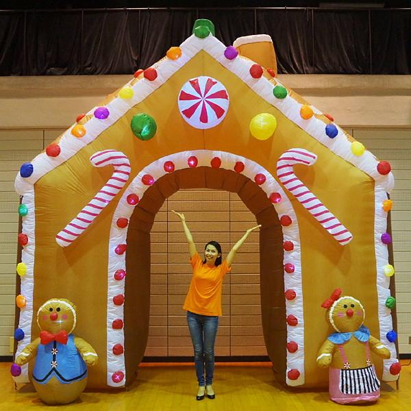 [早期割引セール] クリスマスエアブロー装飾 アーチ ジンジャーハウス W430cm H450cm/動画有
