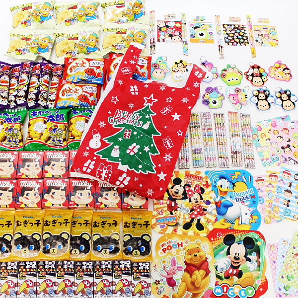[送料無料] お菓子色々200個とディズニー文具色々200個のクリスマスギフト400個セット、XMASポリ袋100枚付
