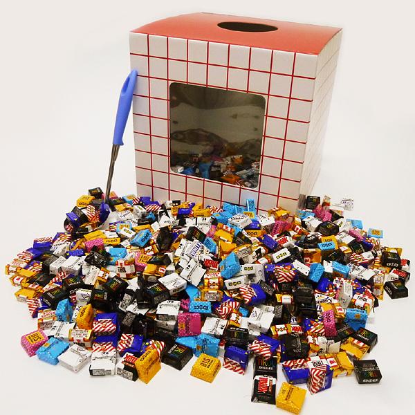 [送料無料] バレンタインBOX チロルチョコレートすくいどり 648個