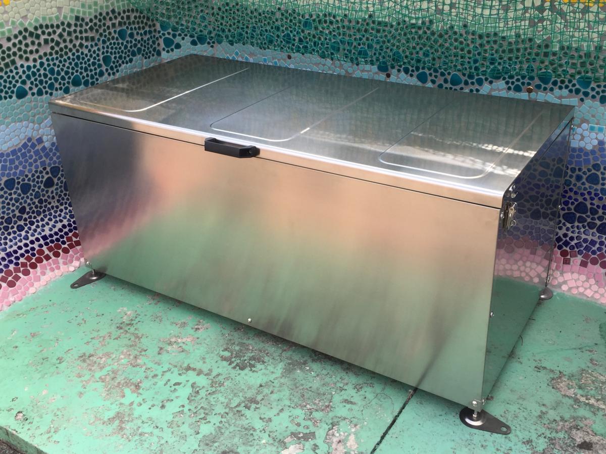 メタルテック ふた付きダストボックス 大容量500L DSU-S1300(W1300×D590×H610mm) ゴミ収集庫/自治体/町内会/マンション/ゴミ収集所/集積所/金属/価格/ごみ/カラス/対策/猫/ゴミストッカー
