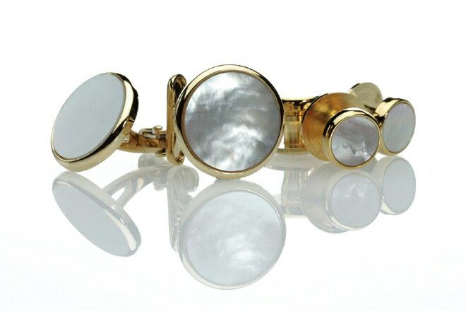 日本製カフススタッド 美しい白蝶貝のカフスとスタッドボタンのセット ゴールド
