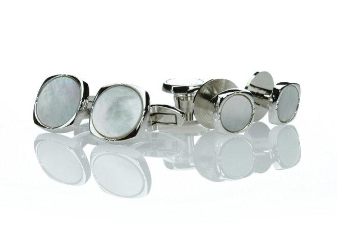 燕尾服用に最適なカフススタッド 日本製カフススタッド 純銀製シルバー925 白蝶貝の日本製カフスとスタッドのセット