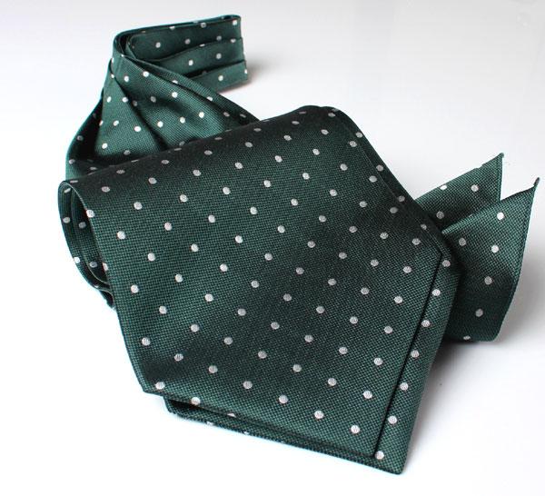 アスコットタイ/チーフセット。/綺麗なグリーンのドット柄のアスコットタイ/結婚式アスコットタイ/アスコットタイグリーン/アスコットタイ送料無料