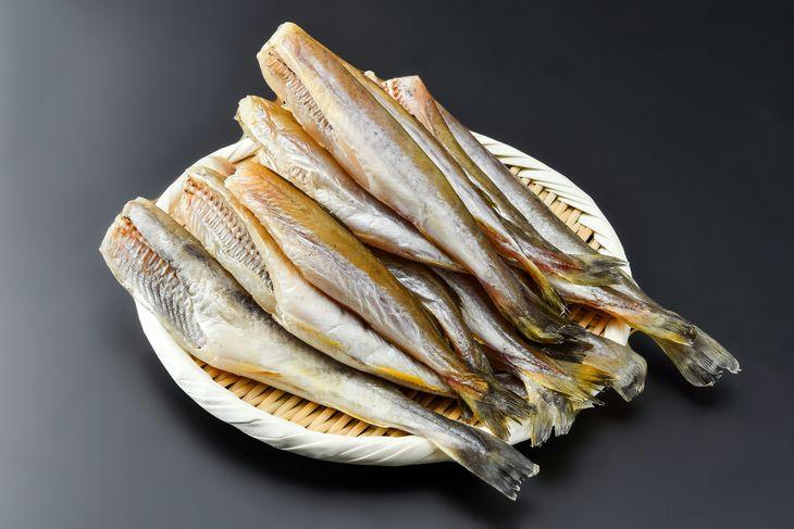 【ふるさと納税】網走前浜産 天日生干し氷下魚(コマイ)【1.5kg(500g×3)】