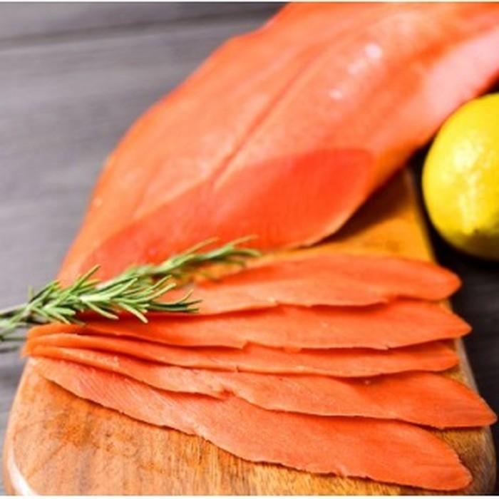 ふるさと納税 正規店 22-29 激安通販専門店 スライス4分割 天然紅鮭無添加スモークサーモン半身