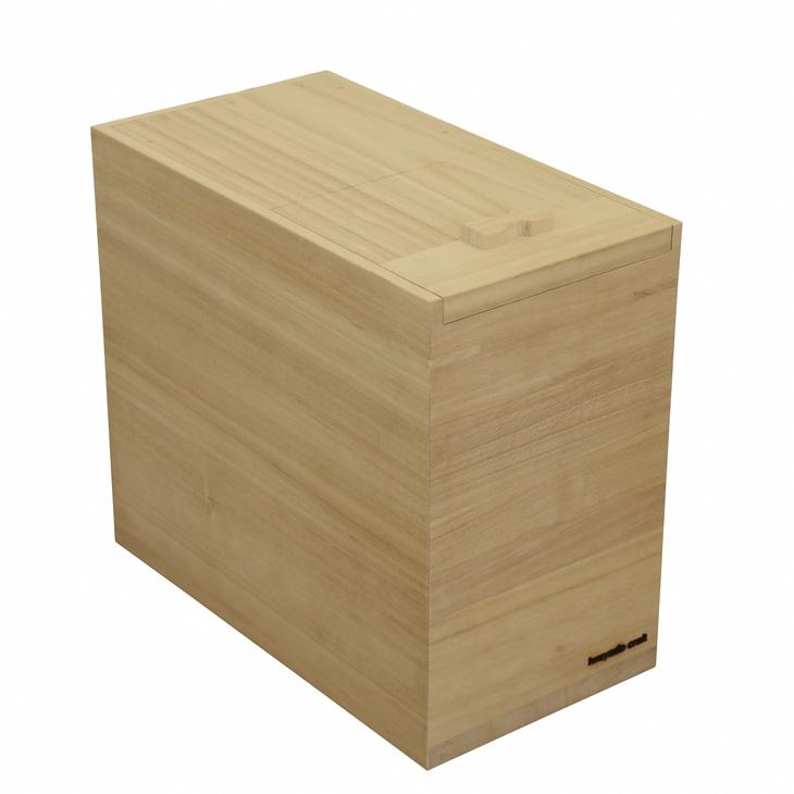 桐材は湿度からお米を守る効果があると言われています 【ふるさと納税】岩谷堂箪笥職人が作るIwayado craft 米びつ 10kg 木地仕上げ[AF05]