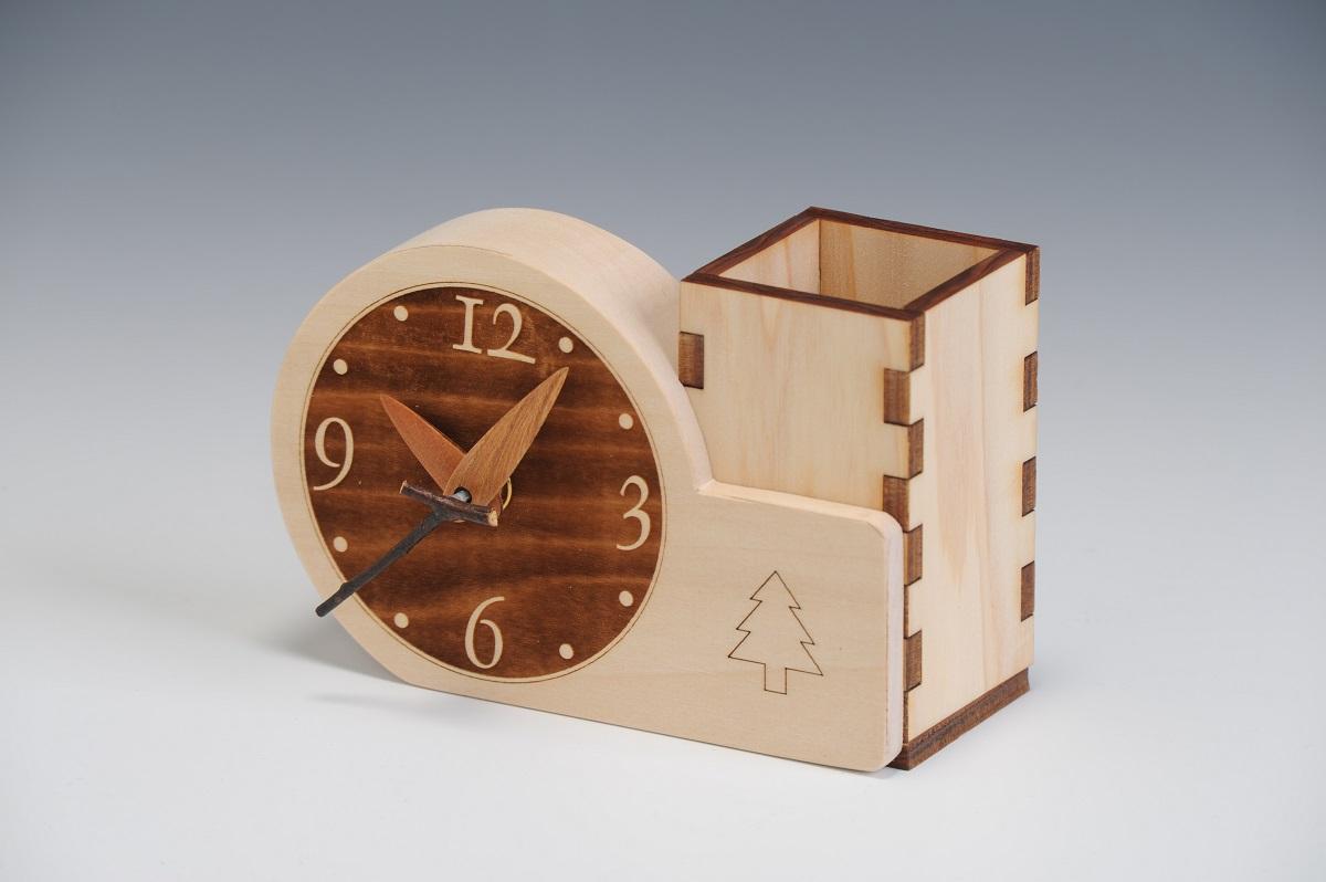 【ふるさと納税】G6702 木製時計付き ぺん立て
