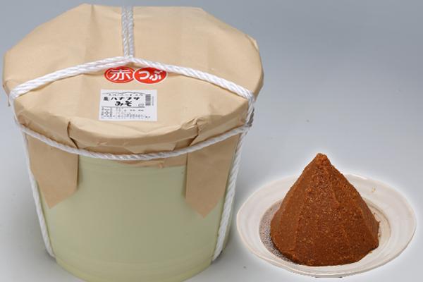 【ふるさと納税】ハナブサの樽入りみそ10kg(赤つぶみそ)