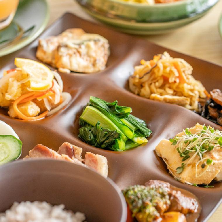 【ふるさと納税】さかい河岸レストラン「茶蔵」 さかいキッチン ビュッフェコースお食事券(4名1組様分)