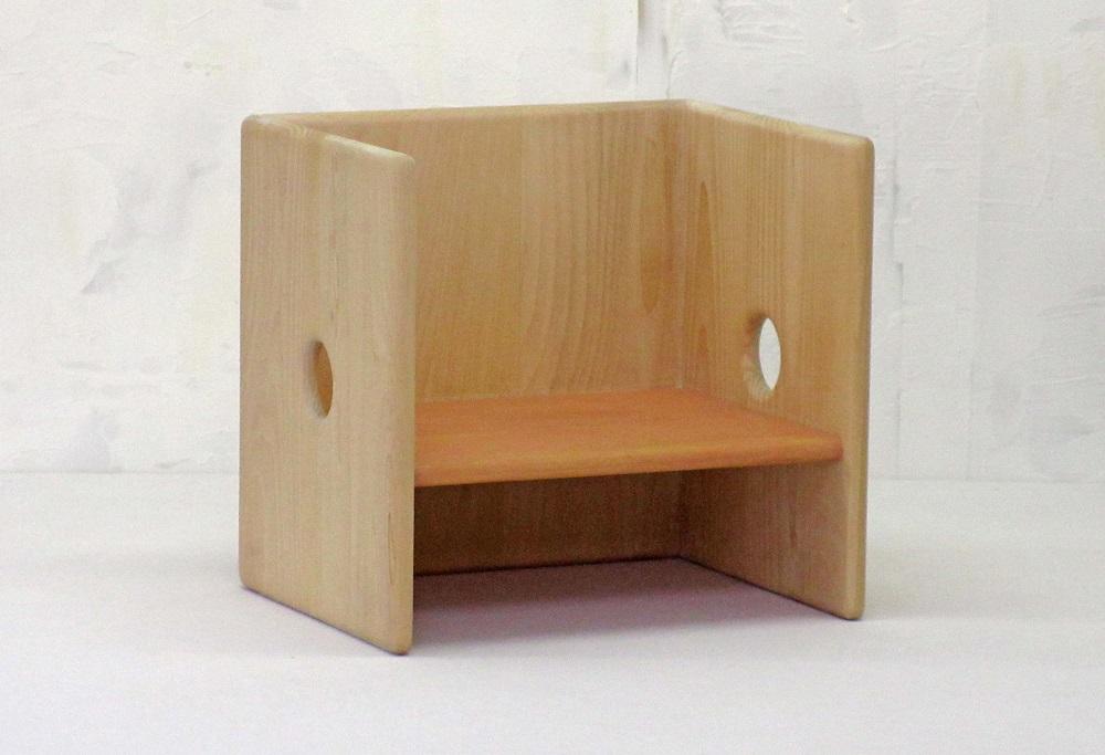 卓出 お子さんが えんと できるようになる頃から使え 成長に合わせてentoの向きを変えることで ずっと使い続けることのできる椅子です ふるさと納税 桃 ento W-05 安心の実績 高価 買取 強化中 こども用箱いす さんご