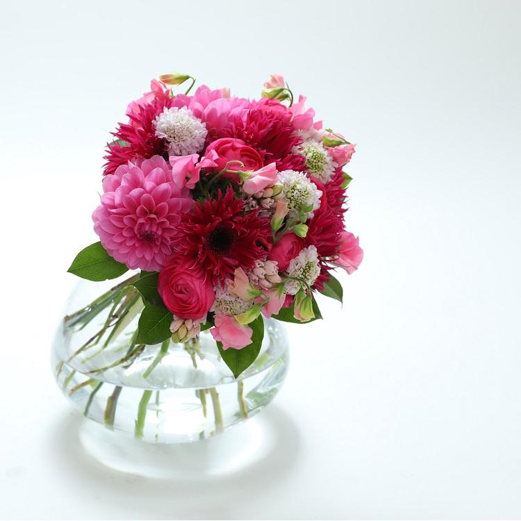【ふるさと納税】季節の花束と花瓶のセット Sサイズ