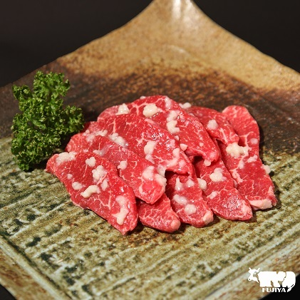 【ふるさと納税】【冨士屋牛肉店】最高級ブランド黒毛和牛のハラミ塩麹漬け焼肉用 500g(自家製加工) 【牛肉・お肉】