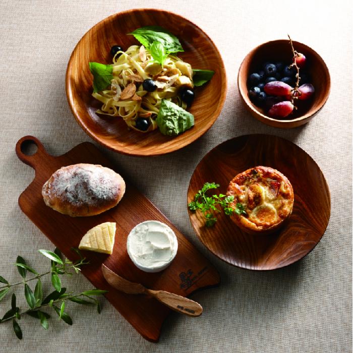 家族みんなと ホームパーティにも お洒落で安全な食卓に ふるさと納税 森から作る 超歓迎された 木の皿 受賞店 3枚セット