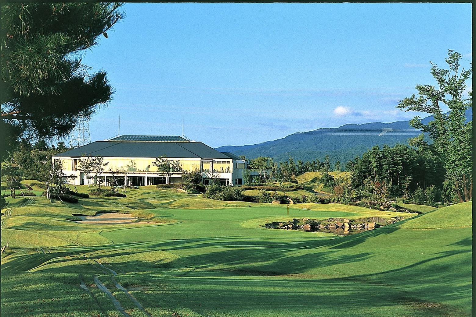 阿賀野自慢の大自然の中 激安 ゴルフをご堪能ください 販売期間 限定のお得なタイムセール ふるさと納税 イーストヒルゴルフクラブ 利用券 15 000円分 ゴルフ場
