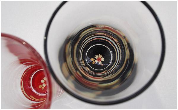 【ふるさと納税】蒔絵「冷酒グラス(桜)2個」と鯖江の地酒「梵・地球/ゴールド」セット