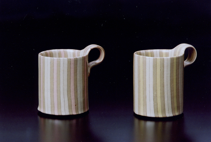 【ふるさと納税】練上モーニングカップ 間道縞ピンク(左)間道縞黄(右) 2客組