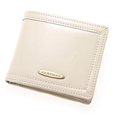 【ふるさと納税】【CLATHAS】クレイサス エナメル2つ折り財布 ベージュ【1049359】