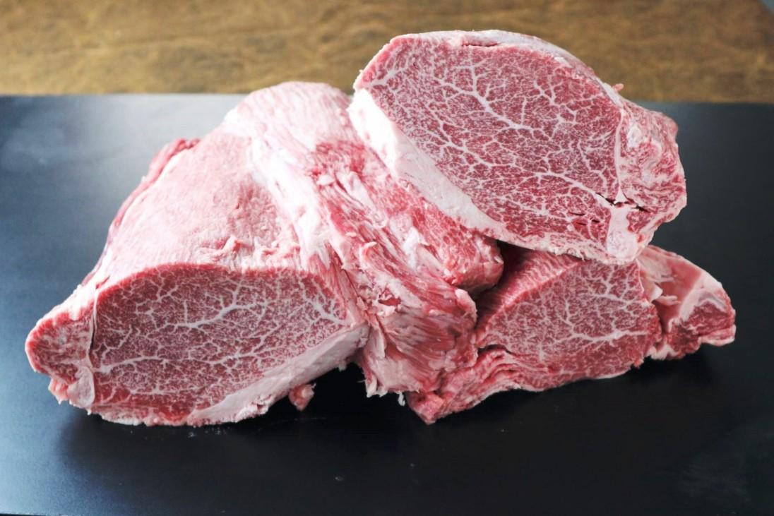 【ふるさと納税】最高級黒毛和牛 信州平谷牛ヒレ丸ごと1本 加工済み3分割で納品(3kg以上)