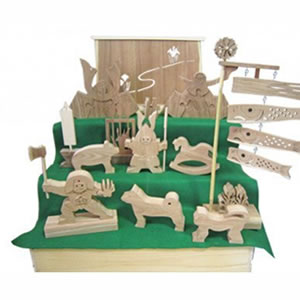 木製の五月人形 3段飾り 箱入です ふるさと納税 木製 の 五月人形 3段 飾り 箱入 特大 支援 幸せの木 コンパクト収納 手作り 送料無料カード決済可能 イマ エンジュの木 送料無料 M268S02 木工アート 祝日