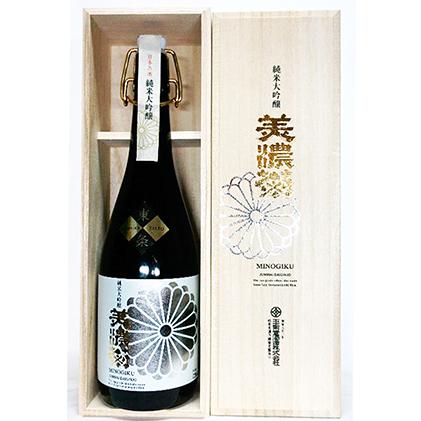 【ふるさと納税】美濃菊 純米大吟醸 薫 【お酒・日本酒・純米大吟醸酒】