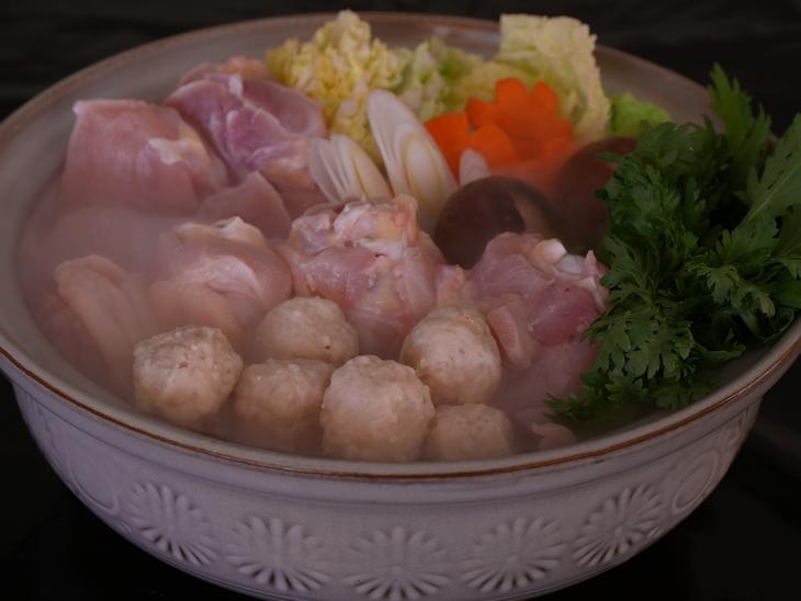 冬には水炊きセット(スープの素付き) 【ふるさと納税】【太陽チキン】夏はバーベキュー