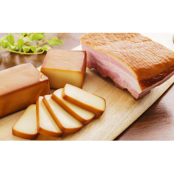 【ふるさと納税】ミツマル燻製所スモークチーズ・スモークベーコン詰合せB 【肉の加工品】