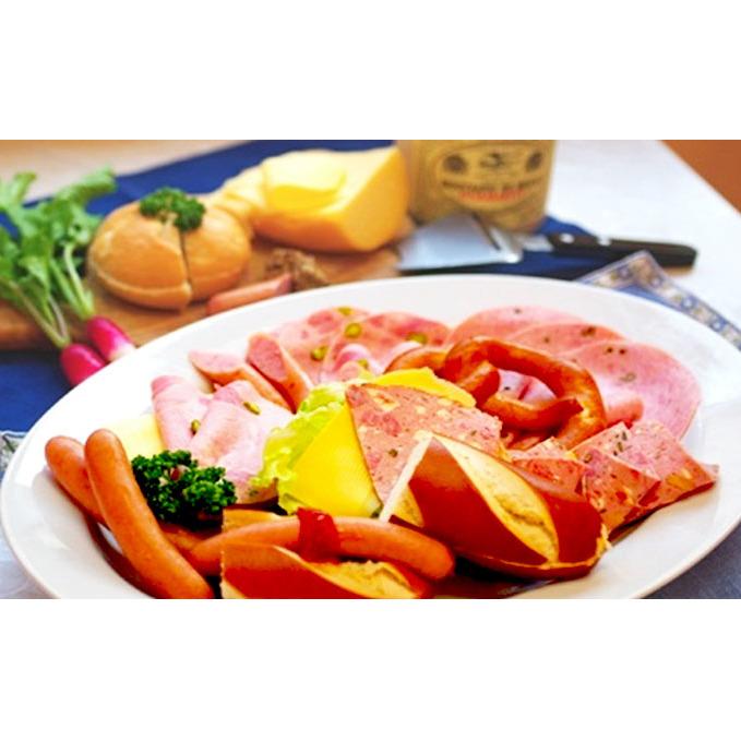 【ふるさと納税】自家製ドイツソーセージとドイツパン3種各2個のセット 【お肉・ソーセージ・パン】