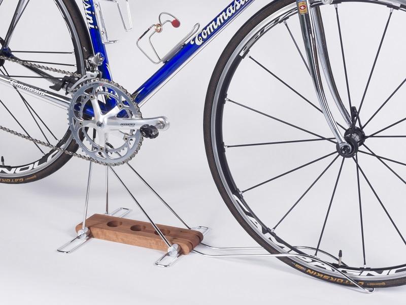 【ふるさと納税】ロードバイク 高級銘木使用のディスプレイスタンド iWA Λ0ne