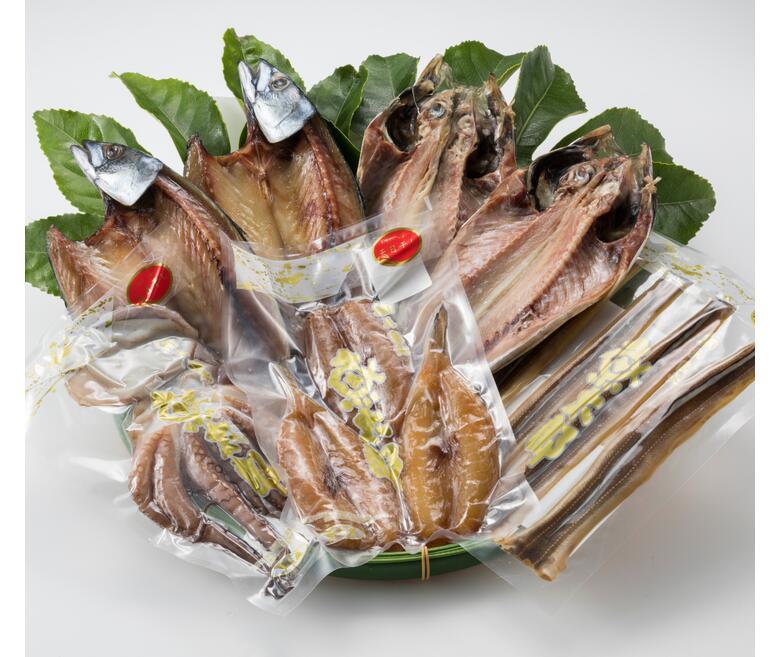 魚太郎で1番人気の とろさば干物 は脂乗り抜群 南知多の名産品である 穴子 河豚 たこ の干物はしみじみ旨い逸品です 知多半島の海の幸をご堪能下さい ふるさと納税 品質検査済 卸直営 魚太郎 人気干物詰め合わせ~名物自家製ひもの 真たこ あじ開き干し 南知多名産ひもの~とろさば