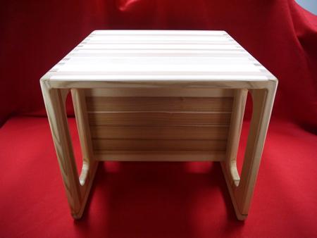 【ふるさと納税】【熊野杉の子供用イス☆テーブルとしても使えます!】木のふるさとで生まれたぬくもりの逸品