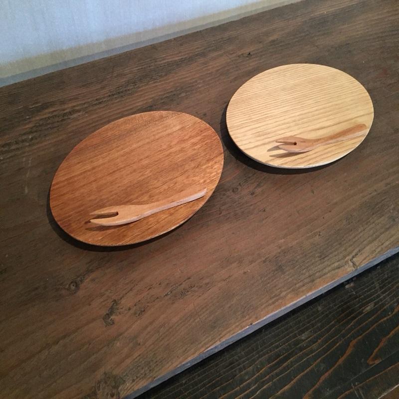 【ふるさと納税】栗とくるみのオーバルプレート皿と桜のフォークの2本セット kk-02