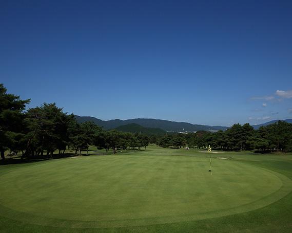 【ふるさと納税】No.184 瀬田ゴルフコース 西コース 1ラウンドプレー(平日) 1名様 / ゴルフプレー券