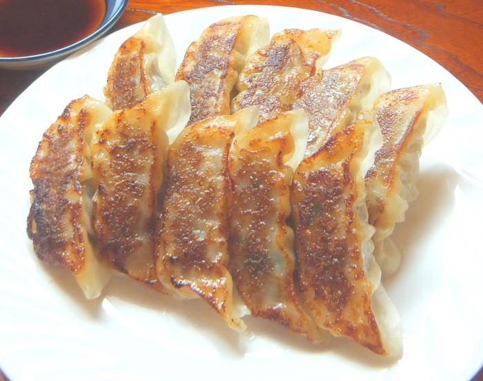 【ふるさと納税】近江牛餃子 64ヶ 【牛肉 ランキング 極上 ブランド 牛肉 旨み たっぷり 送料無料 ポイント制もあり 】