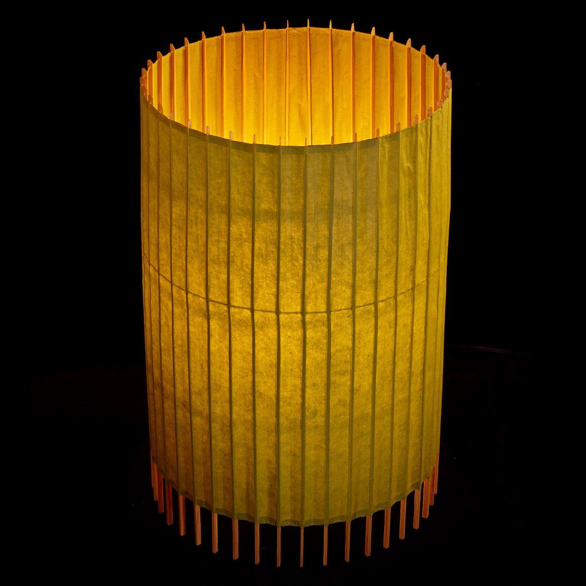 京和傘の構造美を活かした画期的で美しい照明 メーカー直売 激安通販 ふるさと納税 〈日吉屋〉自立式スタンド照明 萌黄色 和紙の色