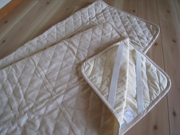 【ふるさと納税】かめやオリジナル 暑い季節の優れもの、洗える本麻100%綿入り敷パット 使ってみて良かったので商品化しました!