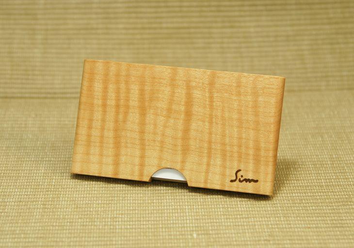 【ふるさと納税】<松永弦楽器工房>木製名刺入れ(カラー選択:メープル、ブラックウオールナット、アフリカンパドック)
