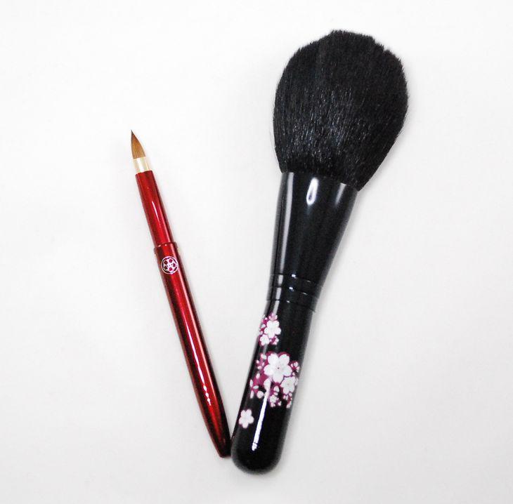 定番キャンバス ふるさと納税 華さくらパウダーブラシとリップブラシの上質化粧筆セット 贈答品