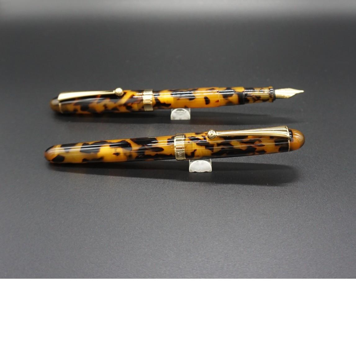 品質満点! 【ふるさと納税】(べっこう)「大西製作所」本格手作り 万年筆 F1400, ダテグン de912671
