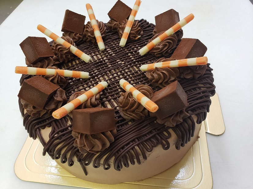 【ふるさと納税】生チョコざんまい ホール ケーキ 6号