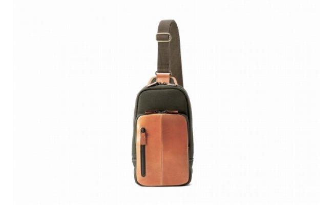【ふるさと納税】ボディバッグ 豊岡鞄 2302 カーキ / カバン かばん