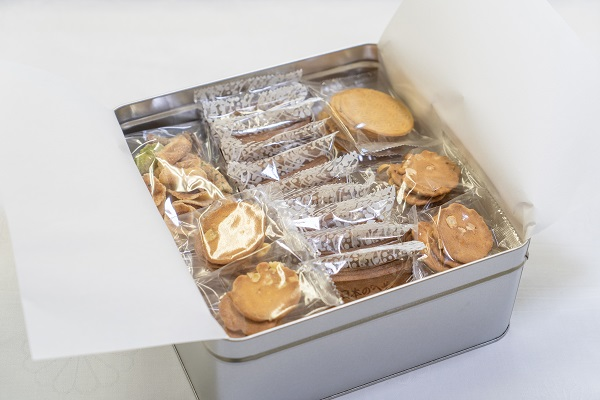 【ふるさと納税】職人が心を込めて焼き上げた菓子「心づくし 大缶」40袋入り