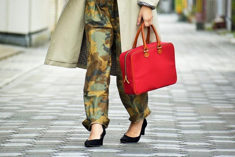【ふるさと納税】鞄職人が手掛ける【ミニトラベルバッグ】レッド
