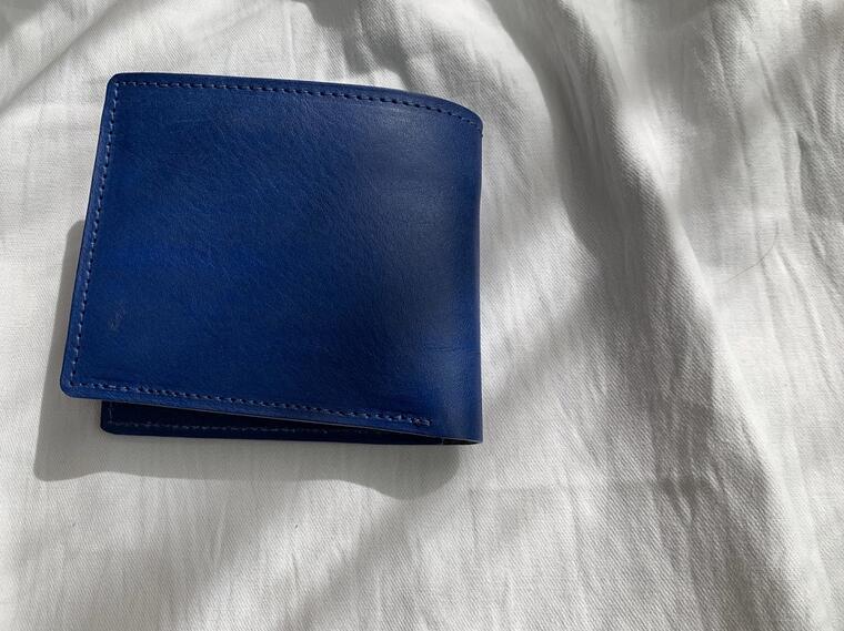 【ふるさと納税】鞄職人が手掛ける【ベーシックウォレット】ブルー