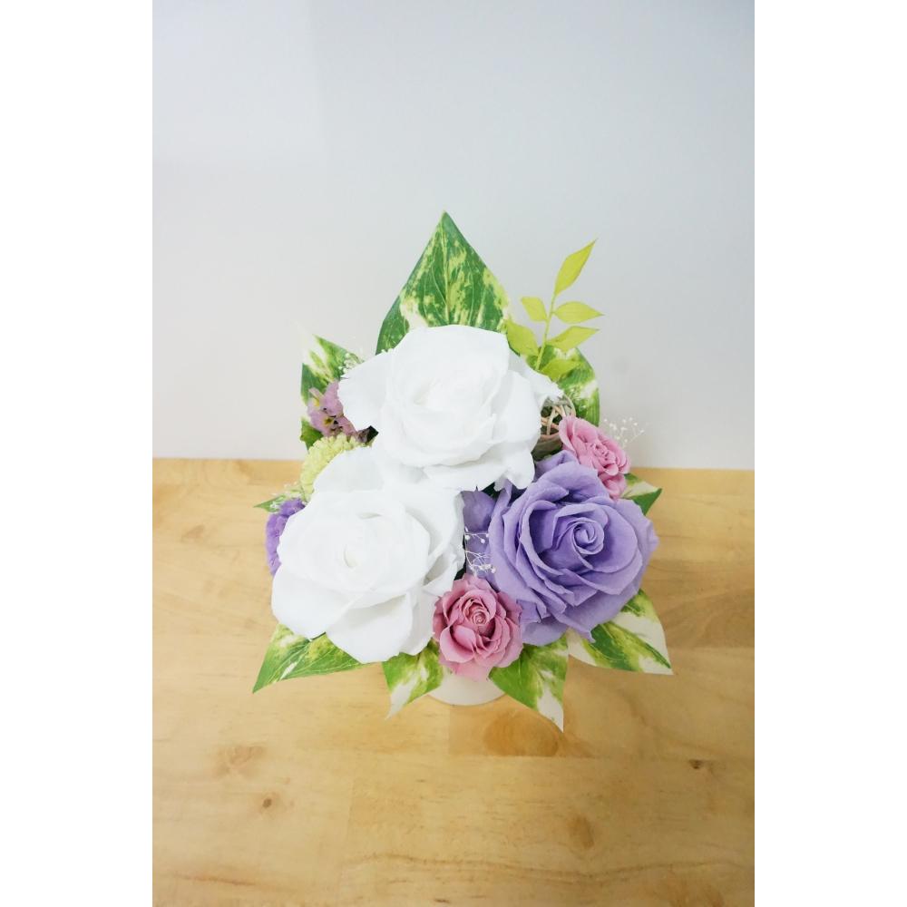 【ふるさと納税】プリザーブドフラワー 大きなバラの仏花(花器付き)【プリザーブドフラワー】