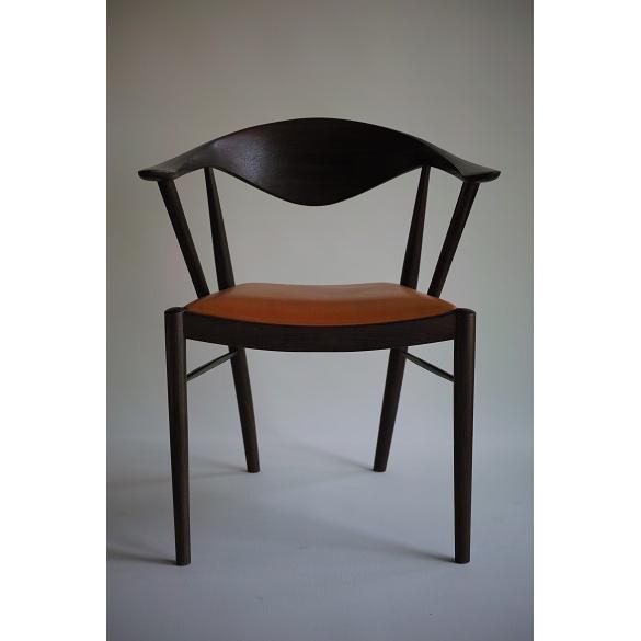 【ふるさと納税】TataraF-type 鉄染め仕上げ(座面:布)【椅子】