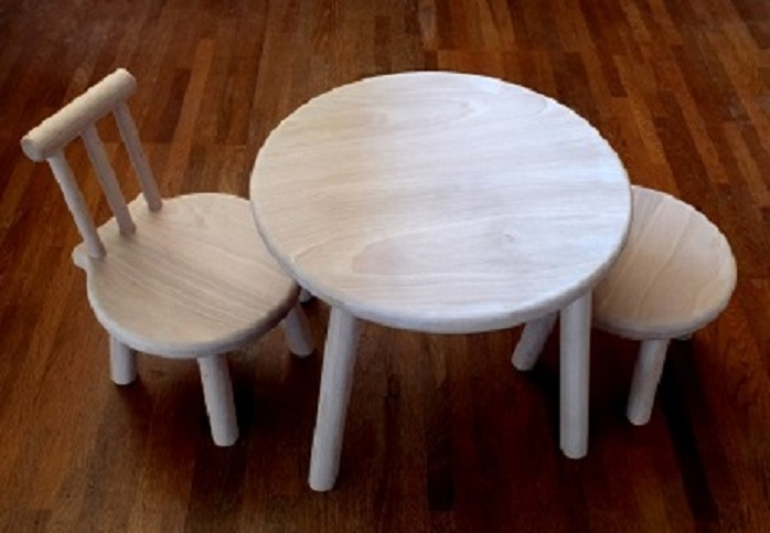 ふるさと納税 限定品 31-P32 出群 こども用テーブルと椅子のセット